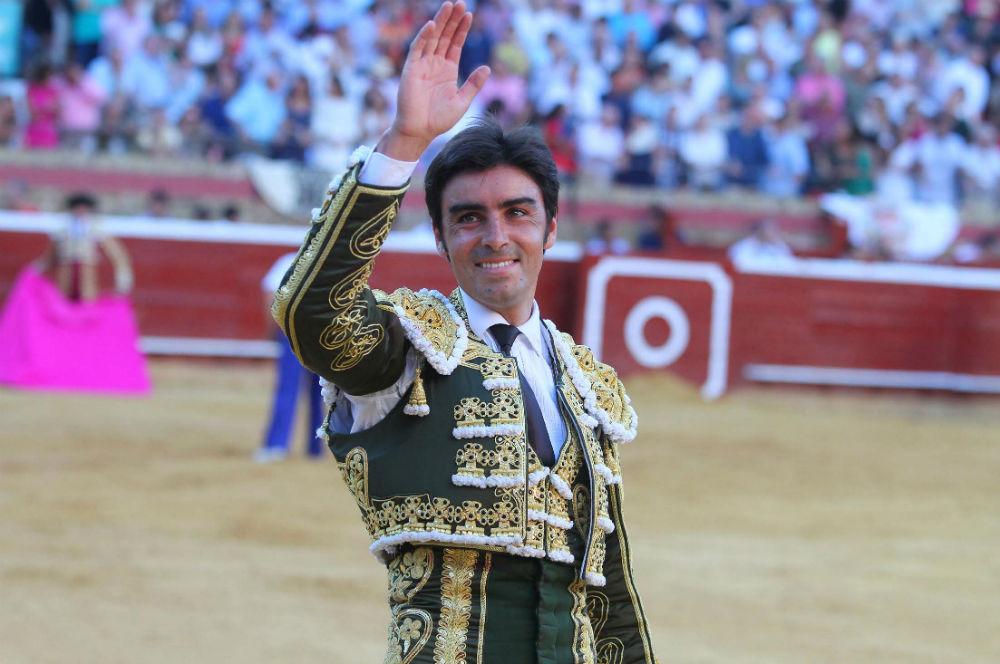 Miguel Ángel Perera dona sus honorarios de la Feria de Colombinas
